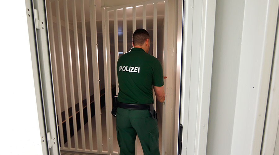 Bavaria ponders unlimited detention for terrorism suspects