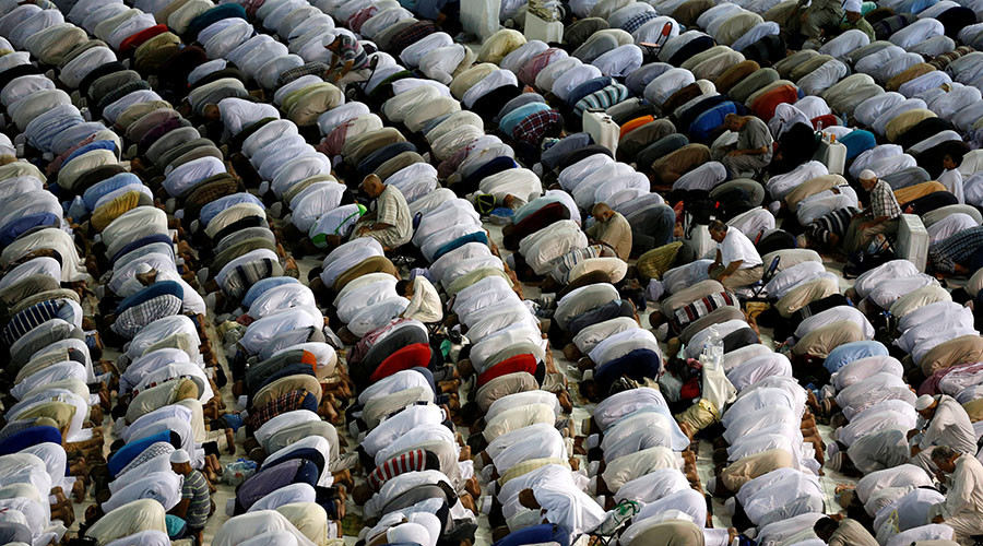 Islam to become world's most popular religion this century – study
