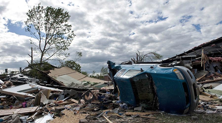 Tornadoes hit Kansas City, hundreds of homes damaged (PHOTOS)