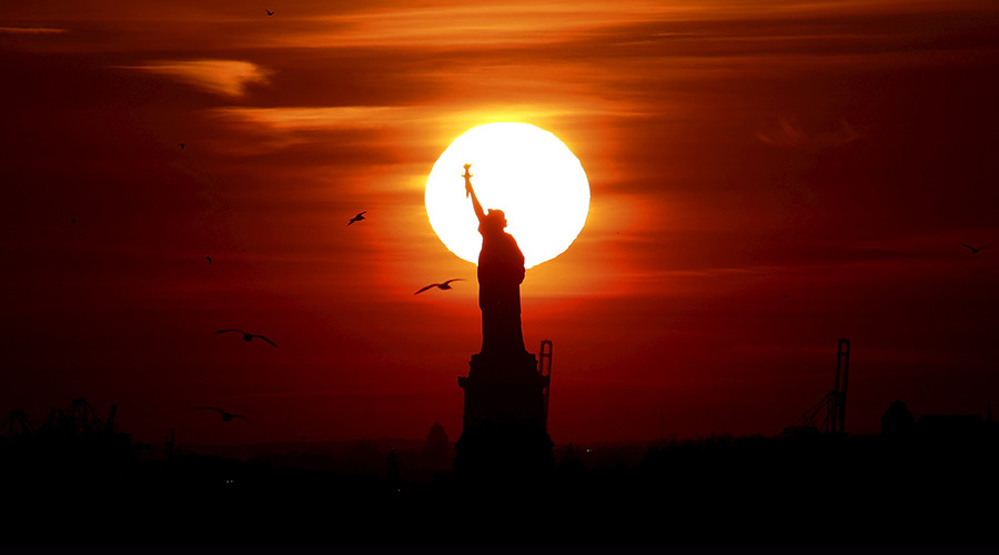 Mysterious Statue of Liberty blackout occurs hours before Day Without A Woman protests