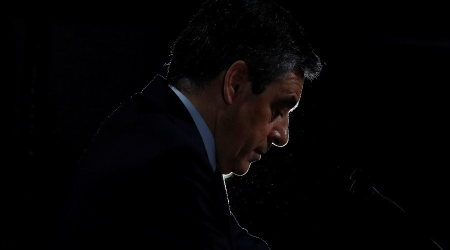 French pres. hopeful Fillon faces fraud accusations for not declaring billionaire's €50K loan