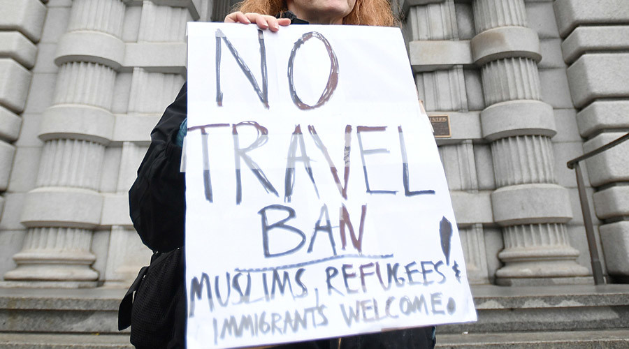Democrats move to challenge Trump's new travel ban in court