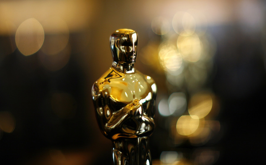 British tourists gatecrash Oscars in TV prank