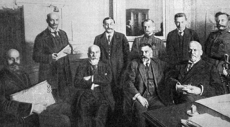 #1917LIVE: Nicholas's brother Mikhail refuses throne, urges Russians to respect Provisional Govt