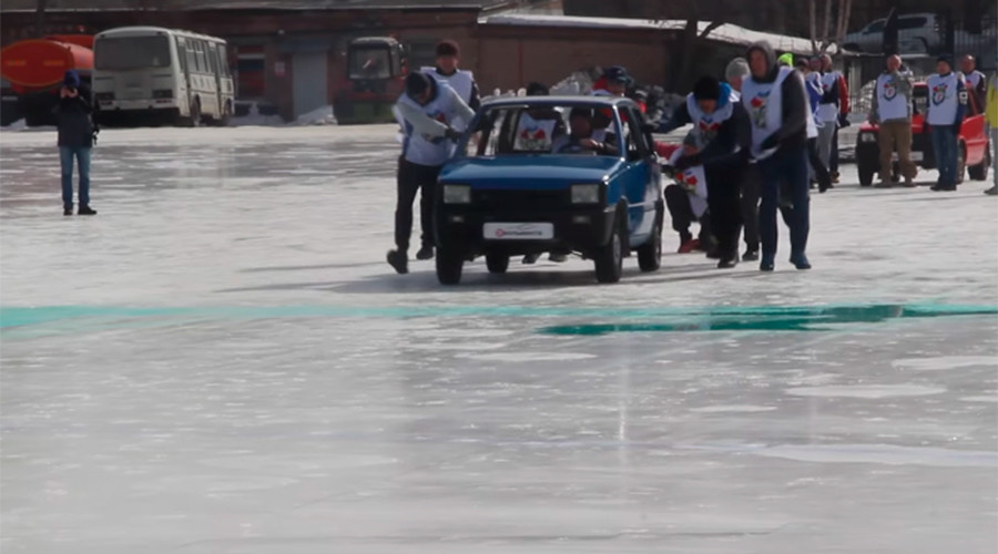Watch Russians play curling with cars (VIDEO)