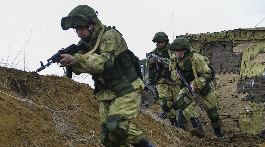 Airborne troops, Mi-28s & fleet: Massive military drills kick off in Crimea (VIDEO)