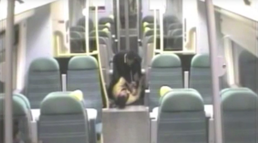 Man beats fellow train passenger who woke him up for his stop (VIDEO)