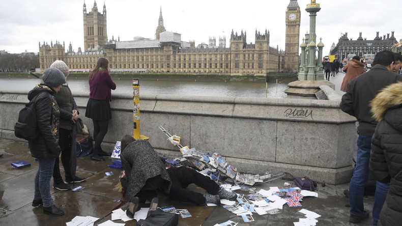 Scenes of immediate aftermath of 'terrorist incident' near UK Parliament (VIDEO)