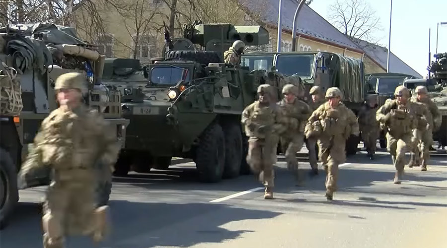 NATO troops head for Poland 'to deter Russian offensive actions' (VIDEO)