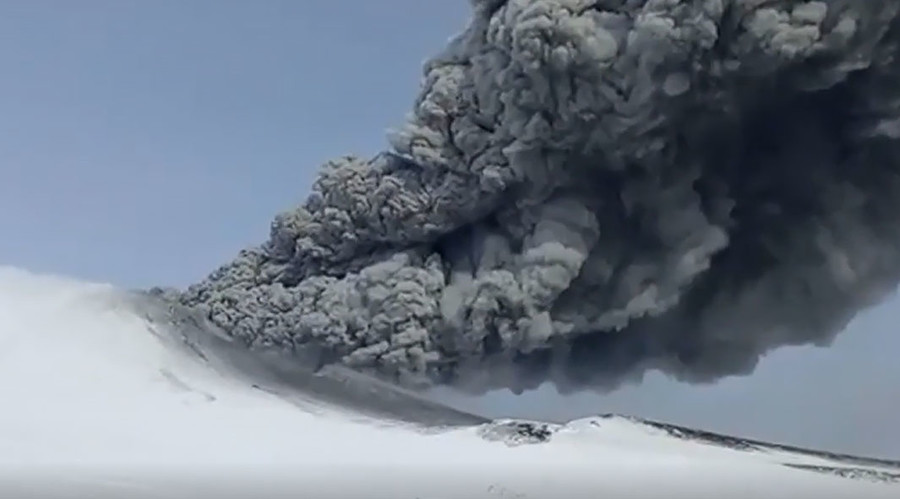 'Pure surprise': Scientists marvel as Kamchatka volcano erupts for first time in 250 years (VIDEO)