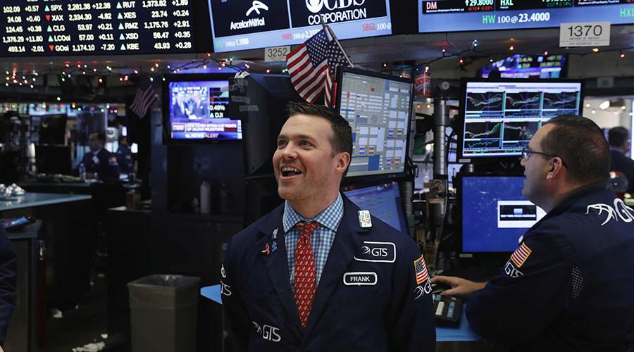 Dow jumps more than 150 points, ending longest losing streak since 2011