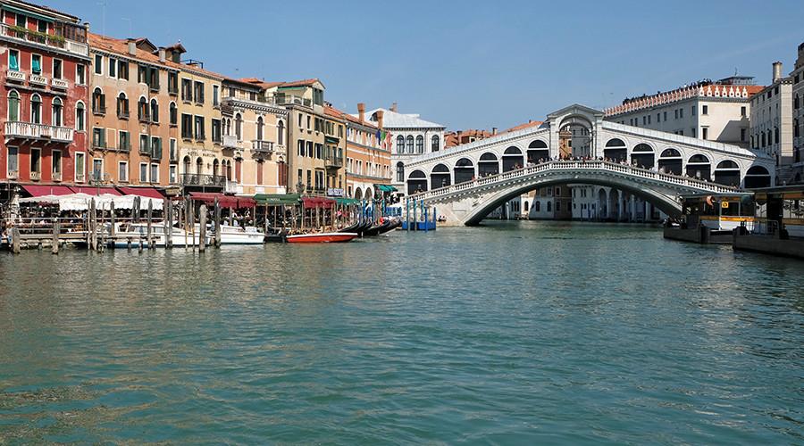 Italian police thwart suspected jihadist plot to blow up landmark Venice bridge (VIDEO)