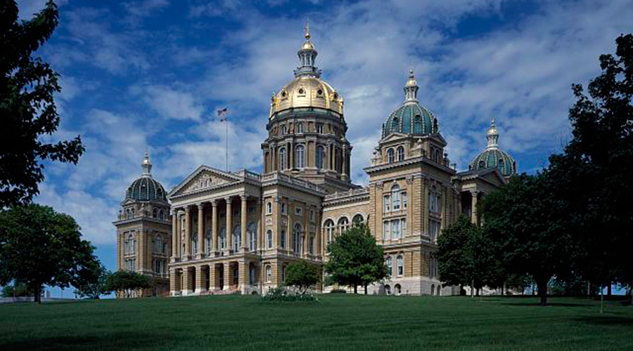 Iowa governor blocks minimum wage hike approved in several counties