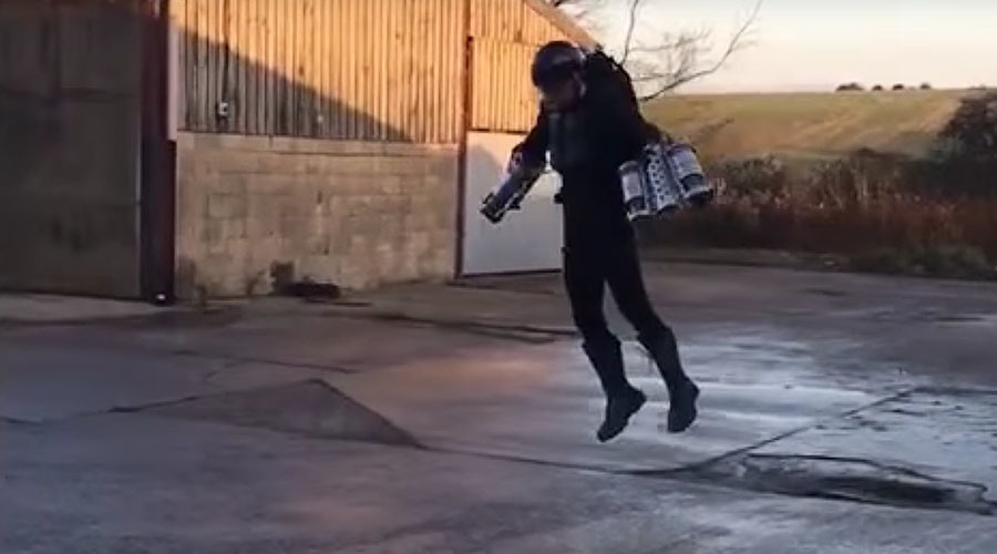 Real-life 'Iron Man' flying suit built by British inventor (VIDEO)