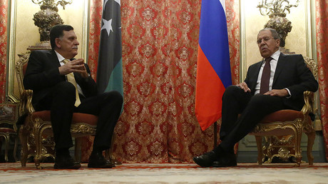 Russian Foreign Minister Sergei Lavrov (R) meets with Libyan Prime Minister Fayez Seraj in Moscow, Russia, March 2, 2017. © Sergei Karpukhin / Reuters
