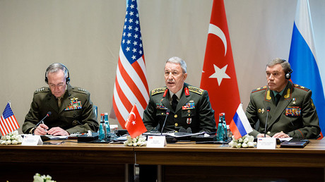 Joseph Dunford (L), Hulusi Akar (C), Valery Gerasimov (R) © Ministry of defence of the Russian Federation