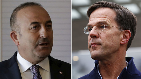 Turkish Foreign Minister Mevlut Cavusoglu (L), Dutch Prime Minister Mark Rutte (R) © Reuters