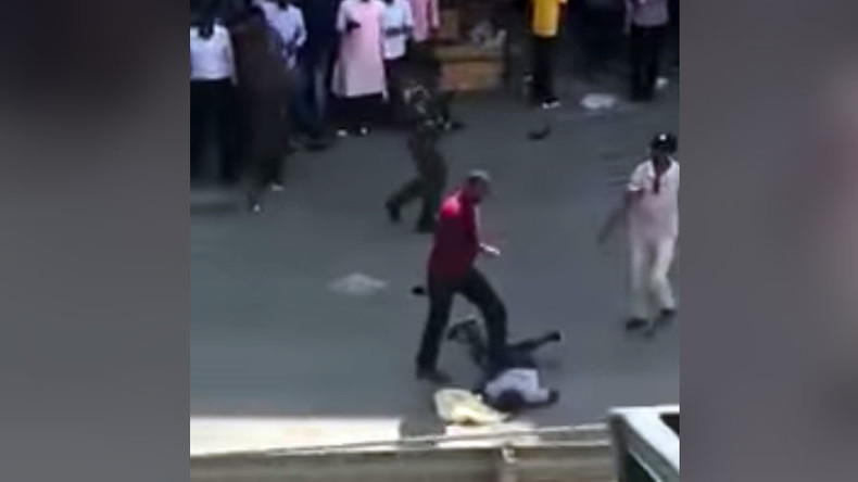 Police officer kills suspected gang member execution-style on Kenyan street (GRAPHIC VIDEOS)
