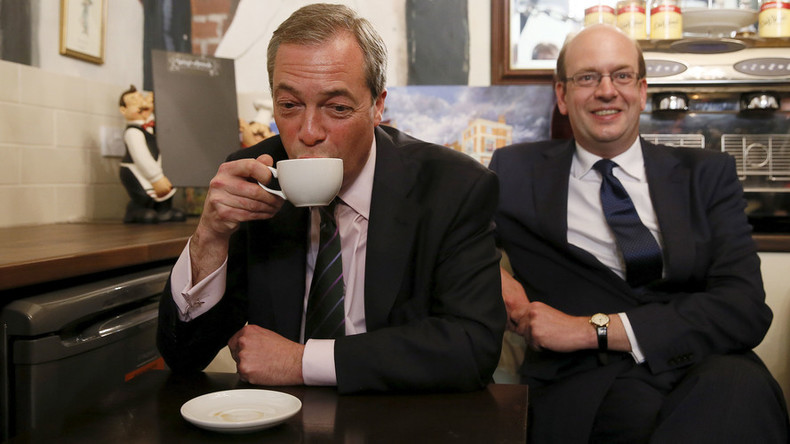 Farage brands Mark Reckless 'dishonorable' for defecting back to Tories