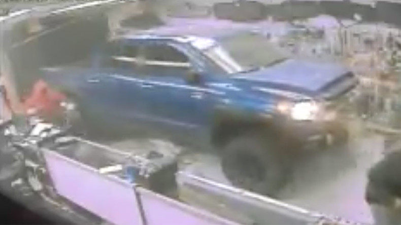 Thieves ram stolen truck into Florida gun shop to steal guns and ammo in daring heist (VIDEO)