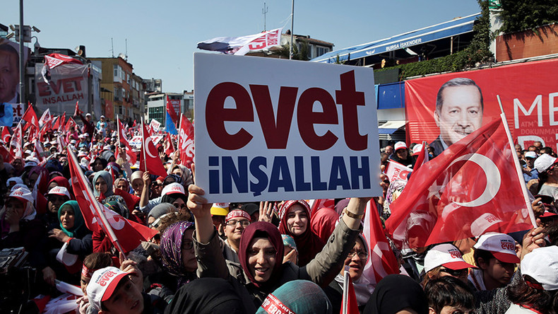 Turkey goes to polls in referendum on expanding president Erdogan's powers