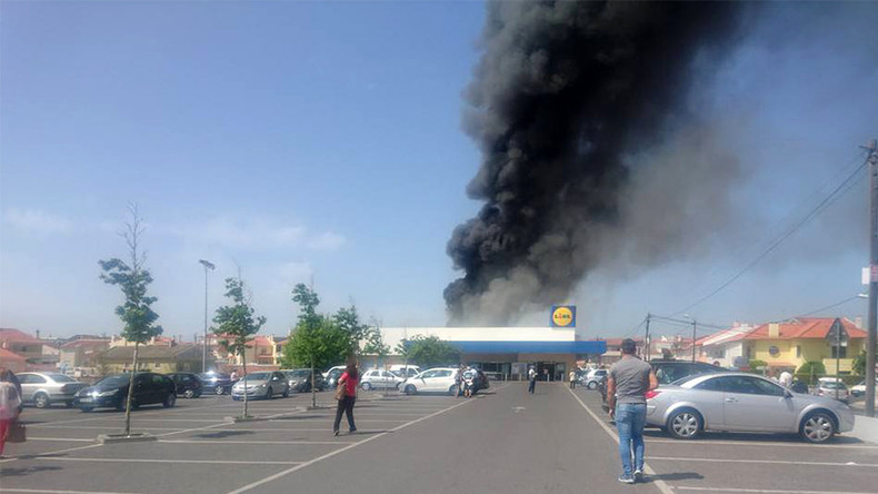 Plane crash near supermarket in Portugal leaves 5 dead  (VIDEOS, PHOTOS)