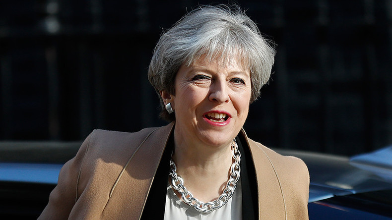 Theresa May asks MPs for snap election to 'strengthen hand in Brexit negotiations'