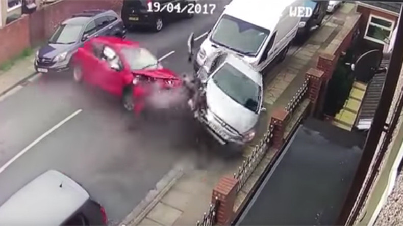 Car ploughs into 4 vehicles before passenger flees with dog (VIDEO)