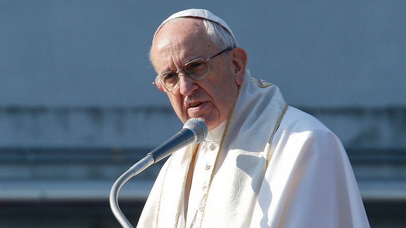 Pope calls European migrant centers 'concentration camps,' urges EU to open doors