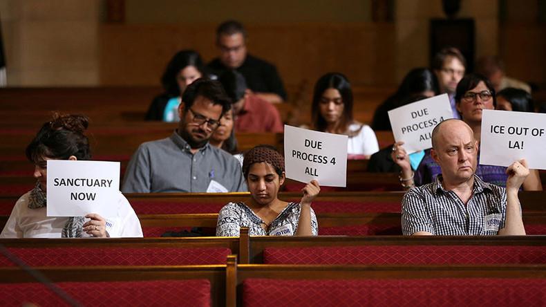Judge blocks Trump 'sanctuary city' funding threat order