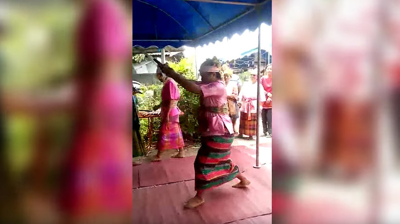 Thai 'medium' fatally stabs himself in heart as ritual goes horribly wrong (VIDEO)
