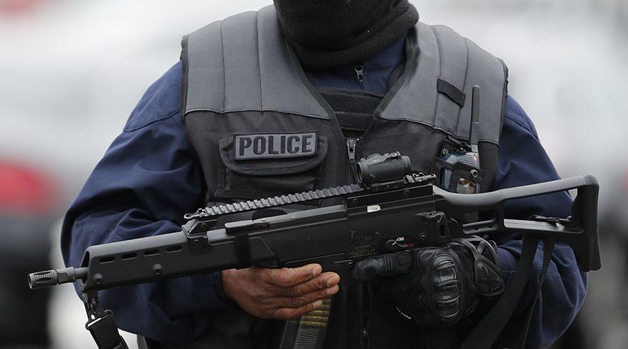 Teenage girls arrested over suspected French terrorist plot