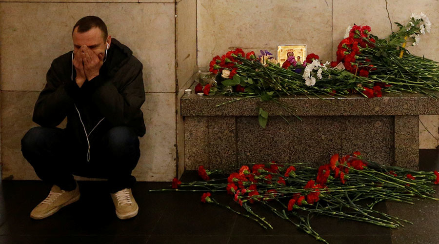 Life imprisonment for terrorist recruiters: Putin greenlights tougher law on extremism