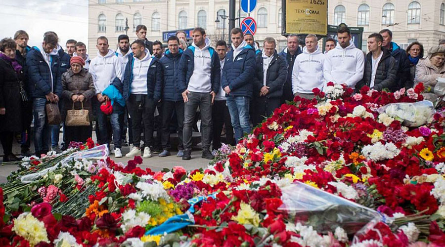 'You can't break us': Zenit visit site of St. Petersburg Metro blast in show of solidarity