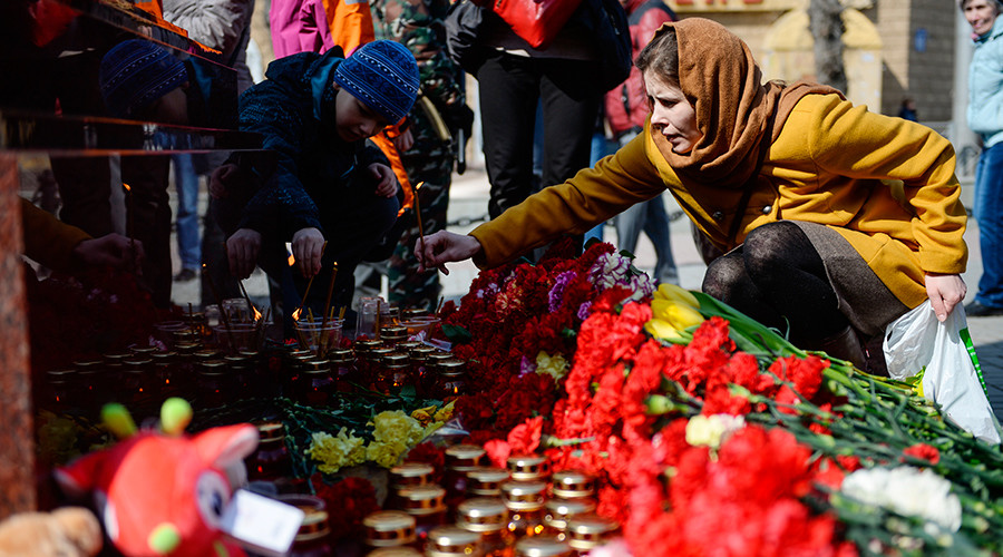 'Always united': Tens of thousands across Russia mourn St. Petersburg Metro blast victims