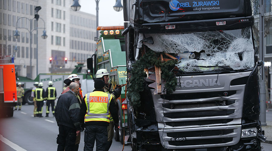 Can concrete barriers protect against truck attacks? Germans stage crash test to find out (VIDEO)