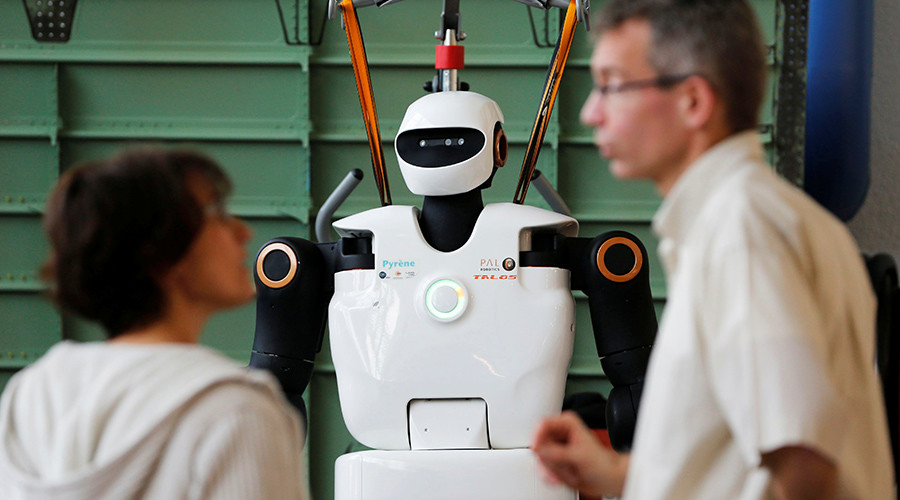 Alt-robot: Human prejudice spreading to AI, new study finds