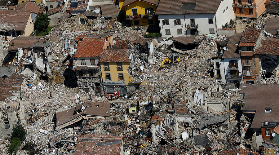 Mayor of Italy quake-leveled town asks 'disaster tourists' to stop taking selfies