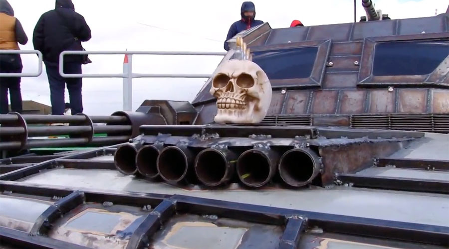 'Mad Max' inspired, post-apocalyptic destruction derby in Minsk (VIDEO)