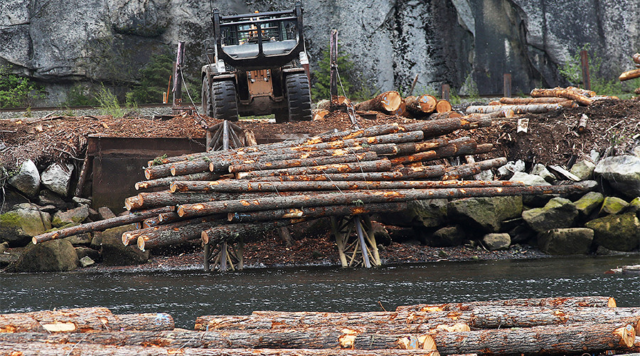 Canada threatens to play hardball with Trump over lumber tariffs