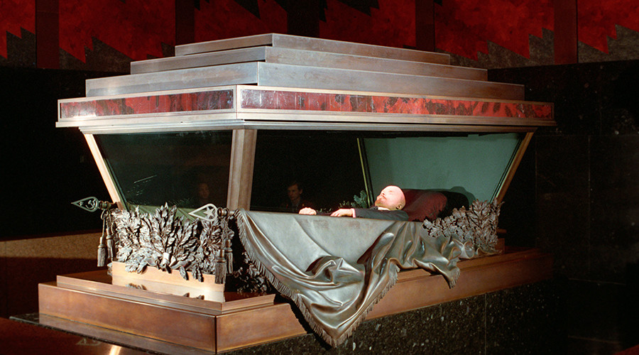 Yeltsin ordered to bury Lenin's body, 'demolish Mausoleum,' Russia's former PM reveals