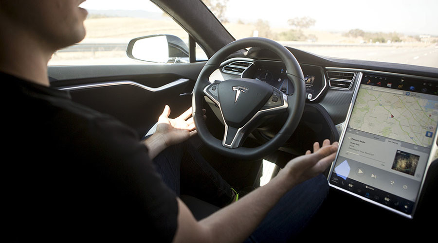 Apple, Tesla seek California rule changes for self-driving cars