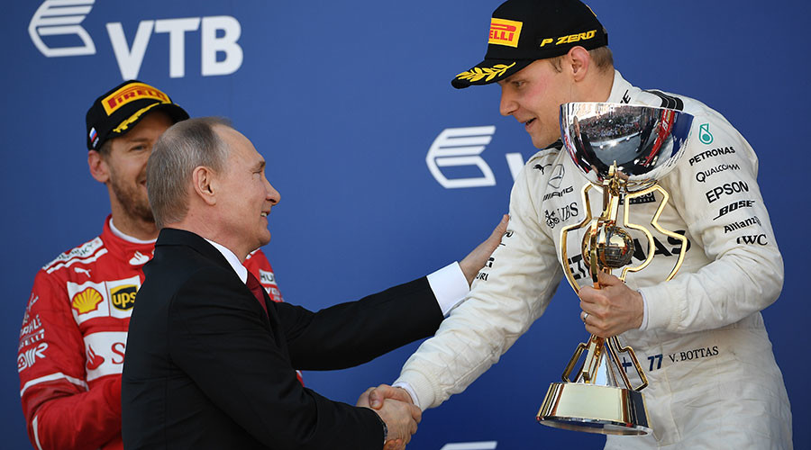 Bottas wins F1's Russian GP, receives cup from President Putin (VIDEO, PHOTOS)