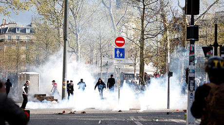 Man simultaneously tasered & teargassed by French cops turns into fireball (DISTURBING VIDEO)