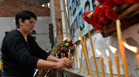 Participants of memorial events in Beslan on September 1. On September 1, 2004 © Said Tzarnaev