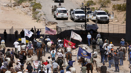 Protesters gather at the Bureau of Land Management's base camp, Nevada April 12, 2014. © Jim Urquhart