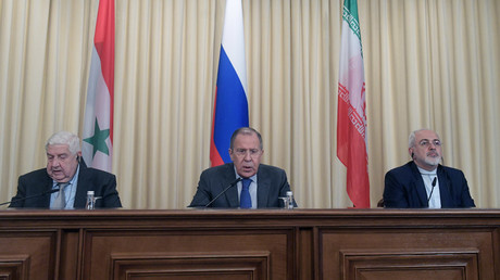 Foreign Ministers, Sergei Lavrov (C) of Russia, Walid al-Muallem (L) of Syria and Mohammad Javad Zarif of Iran attend a news conference in Moscow © Grigory Sisoev