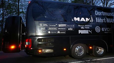 The Borussia Dortmund team bus © Kai Pfaffenbach