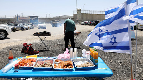 Israeli activists 'thought it nice' to hold BBQ near Palestinian hunger strikers