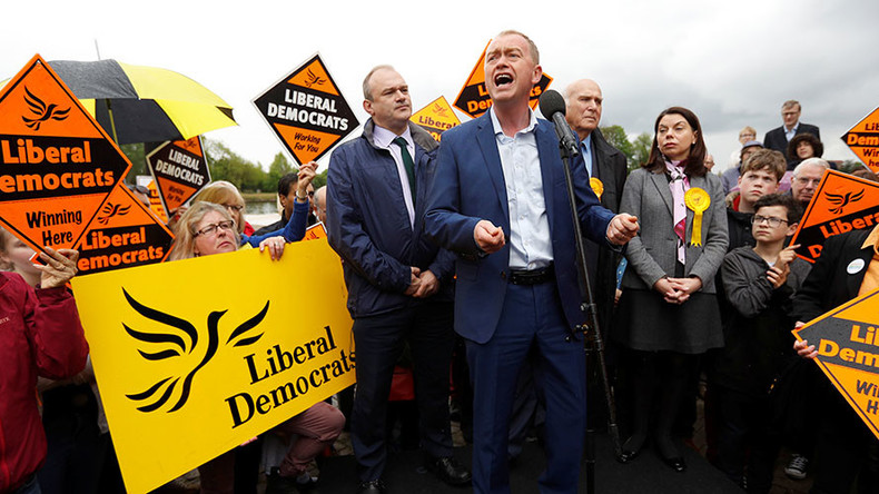 Pro-Brexit voter rails against Lib Dem leader on campaign trail (VIDEO)
